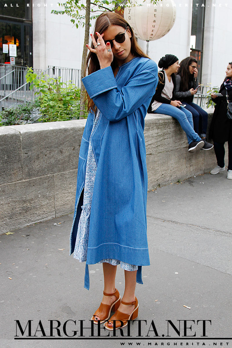 Il denim si lascia indossare bene soprattutto nelle mezze stagioni