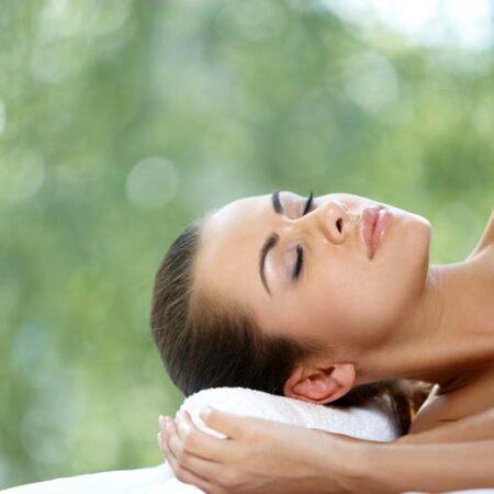 Come curare la pelle prima di andare a letto?