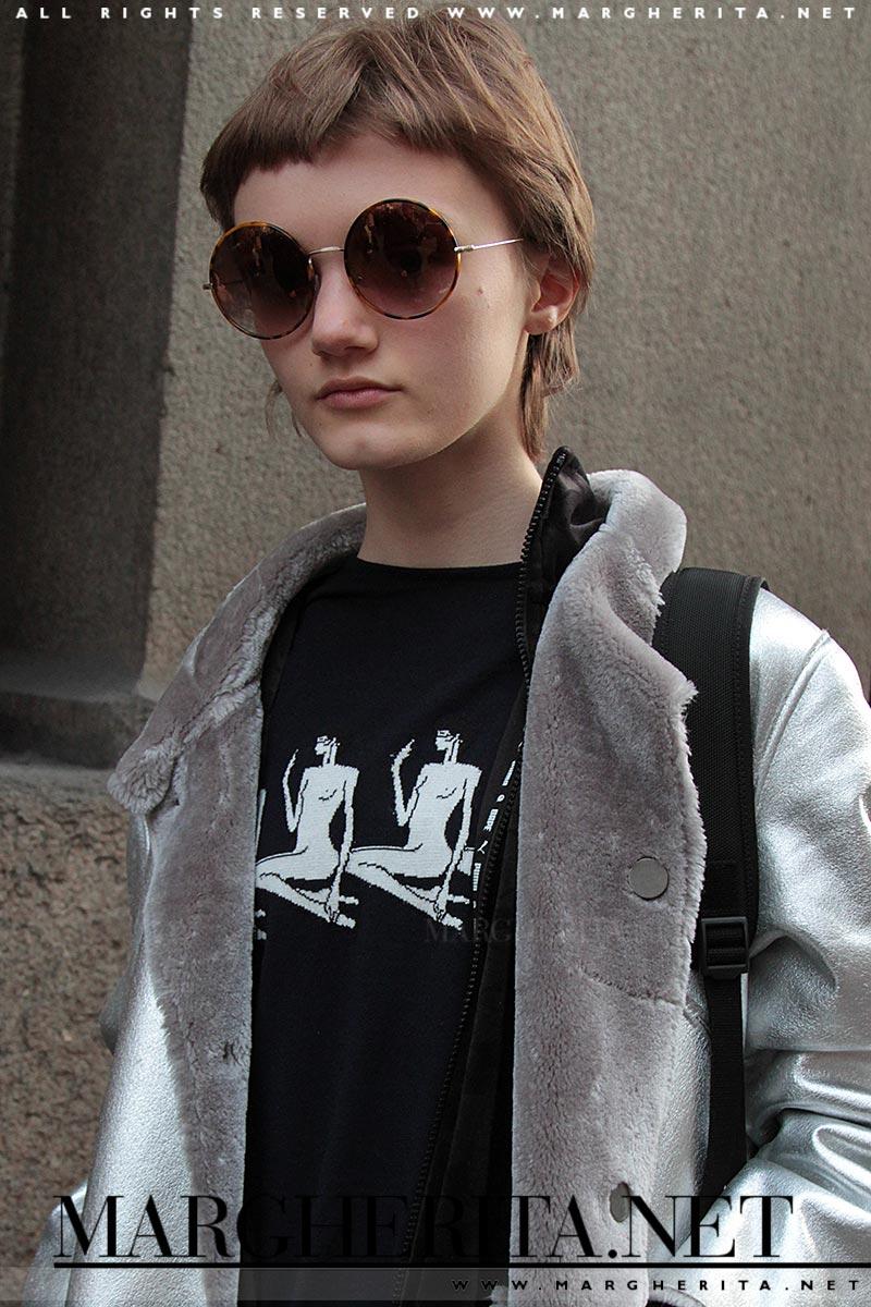 Peyton Knight durante la Fashion Week (autunno inverno 2016 2017), ph. Charlotte Mesman