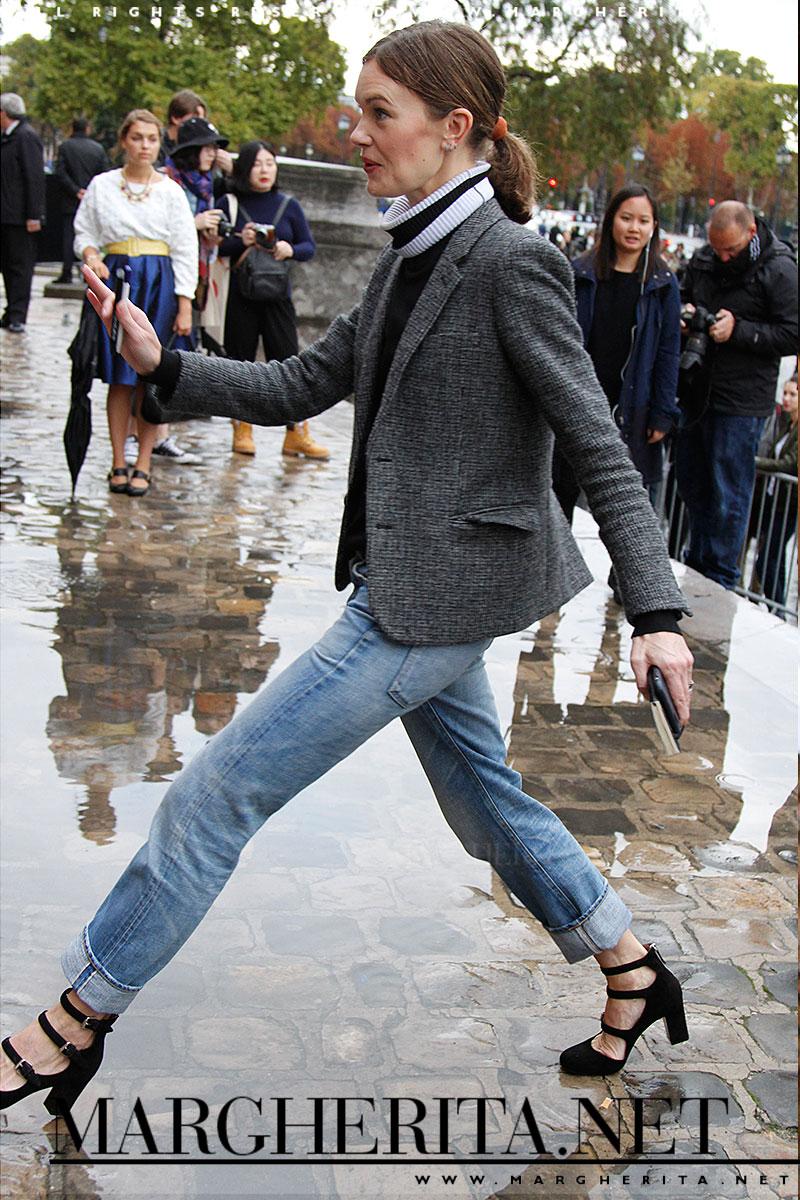 Un jeans con un blazer essenziale ed un paio di tacchi. Perfetto!