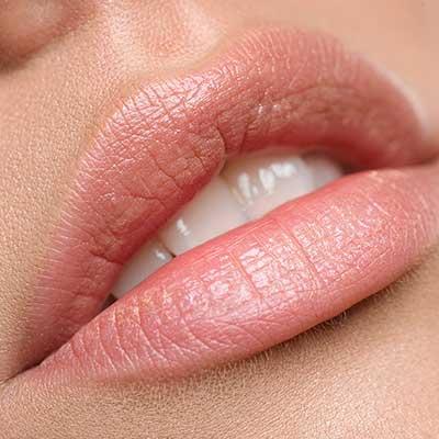 Bellezza, le 5 cose che non sapete per avere labbra più carnose