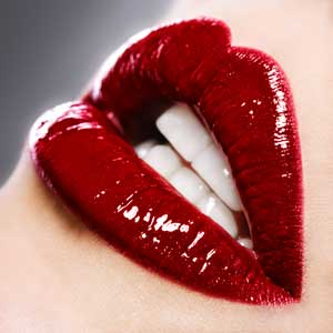Come applicare il rossetto per un effetto 'sono appena stata baciata'