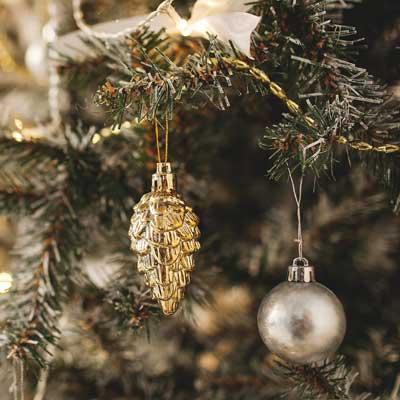 Come decorare l'albero di Natale. Consigli per un bellissimo albero di Natale