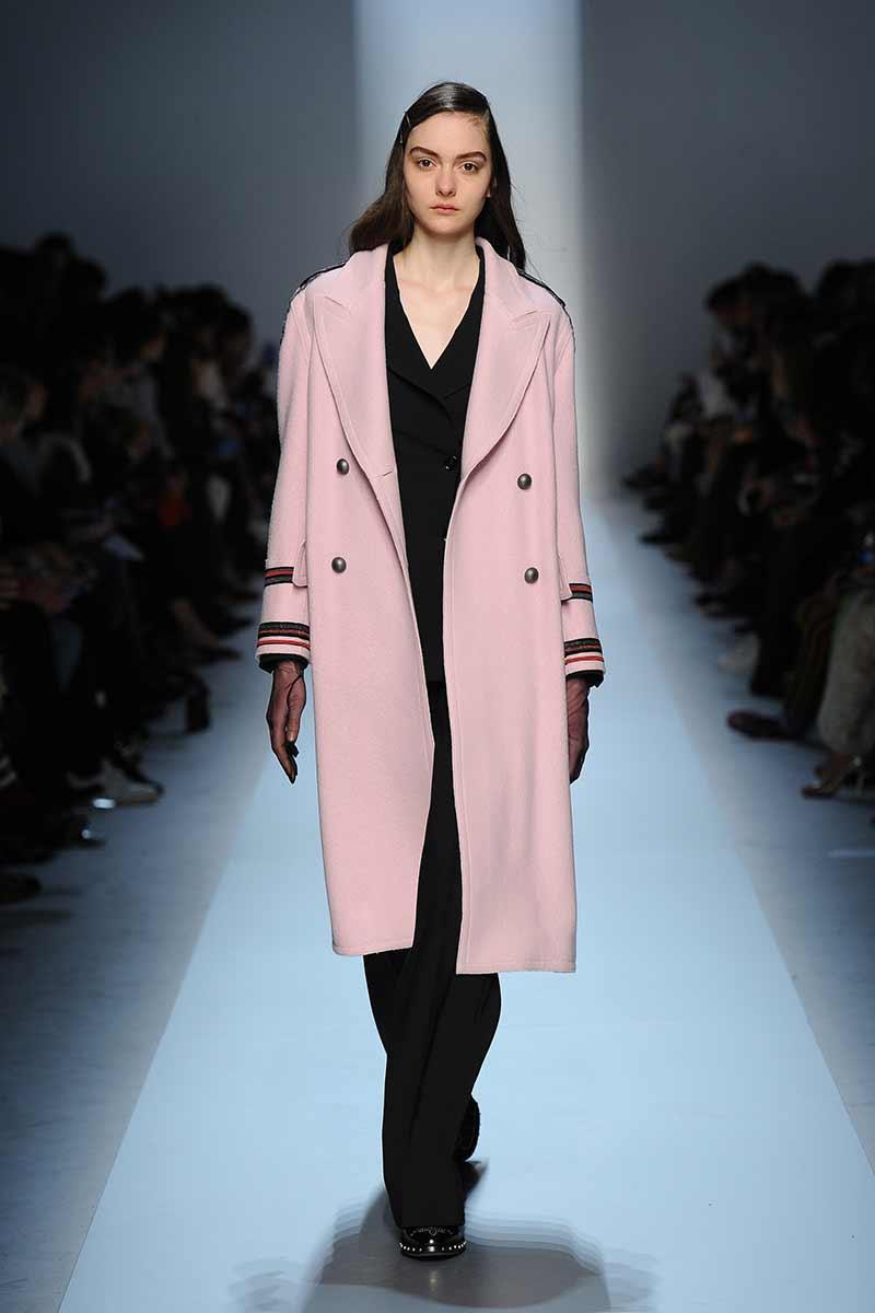 Tendenze moda rosa autunno inverno 2017/2018. Ermanno Scervino