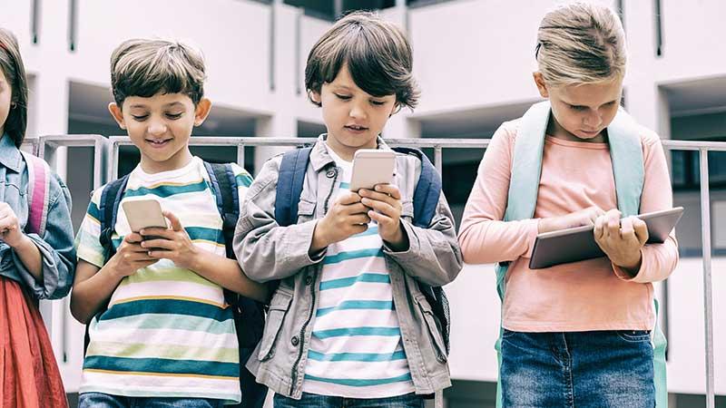 Smartphone in classe. E perché non la playstation?