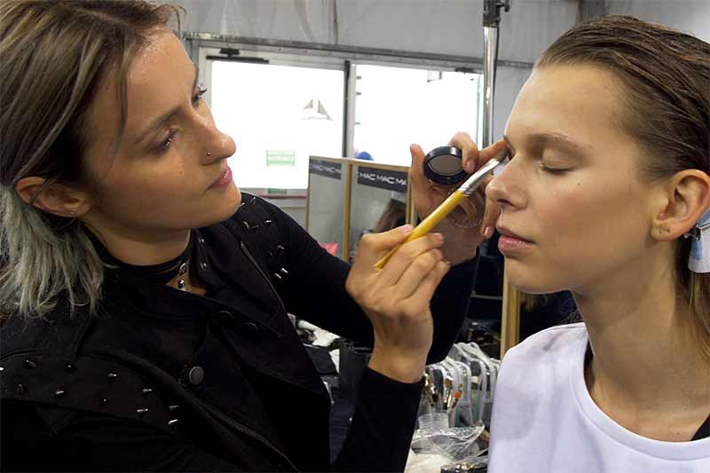 Trucco semplice e moderno. Vivetta estate 2018. make-up: Tiziana Raimondo