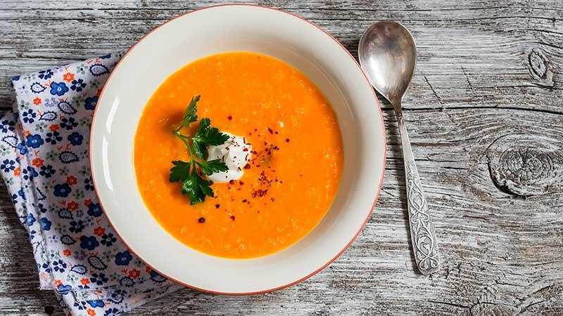 Zuppa di carote allo zenzero e agrumi