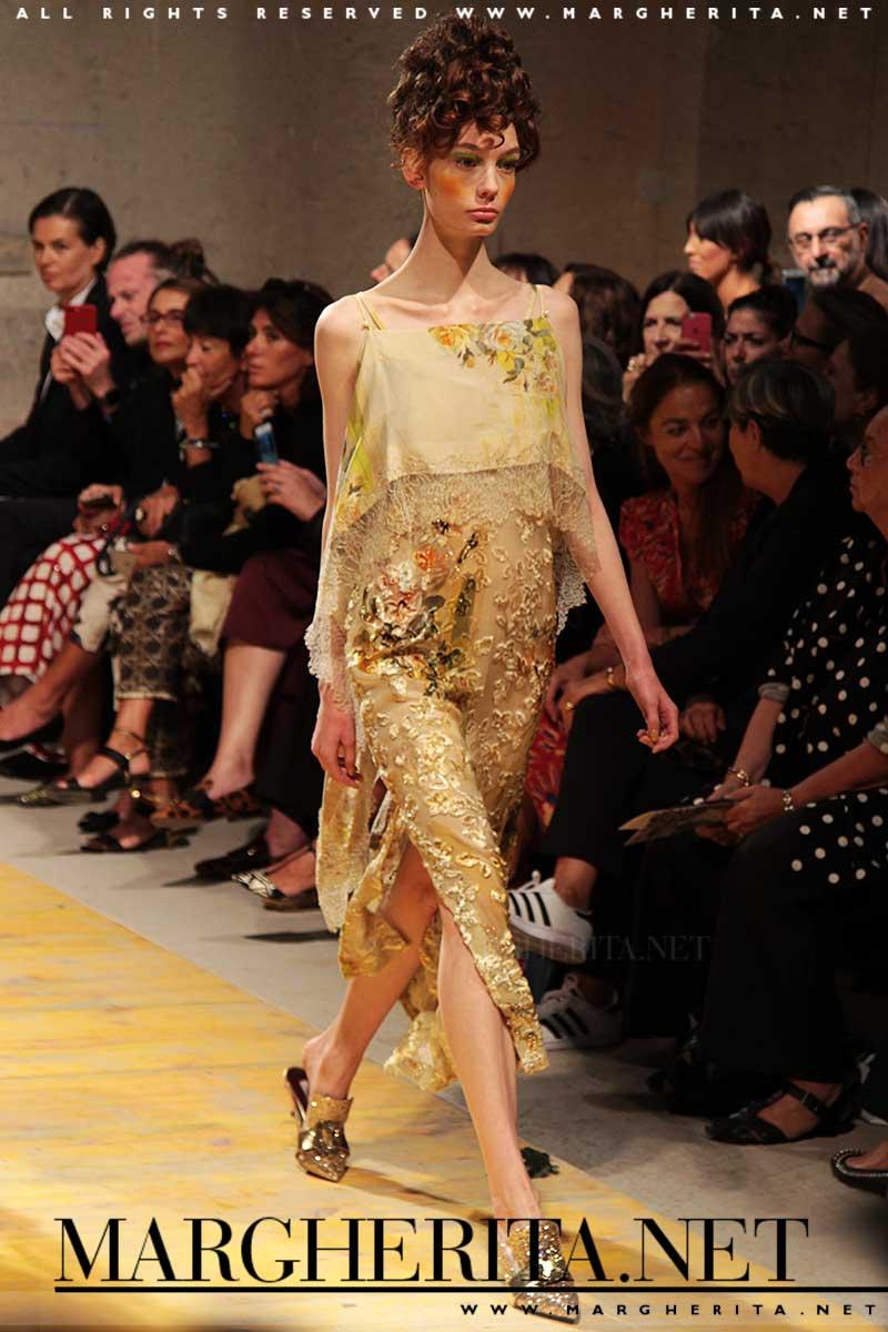 Colore di moda: il giallo. Antonio Marras PE 2018. ph. Charlotte Mesman