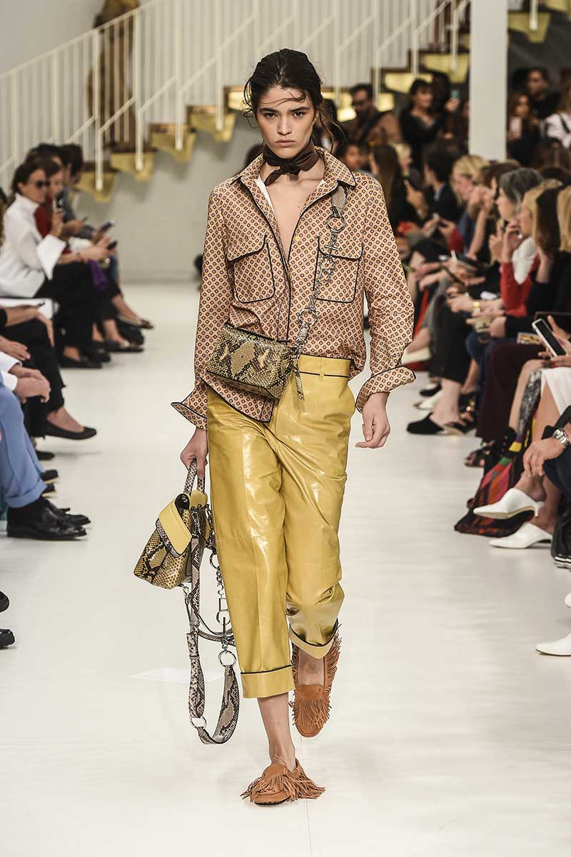 Colore di moda: il giallo. Tod's. Foto: courtesy of Tod's