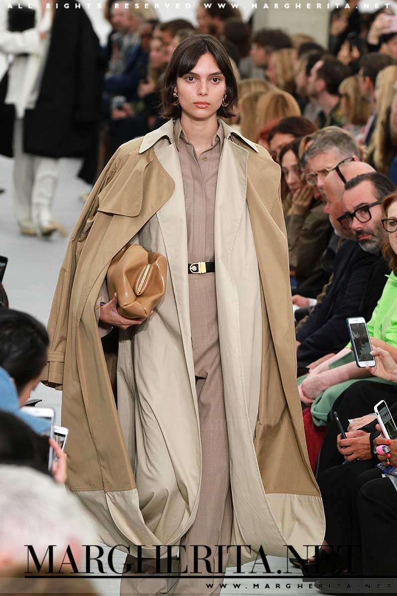 Tendenze moda primavera estate 2018. Il trench coat. Céline PE 2018, ph. Mauro Pilotto