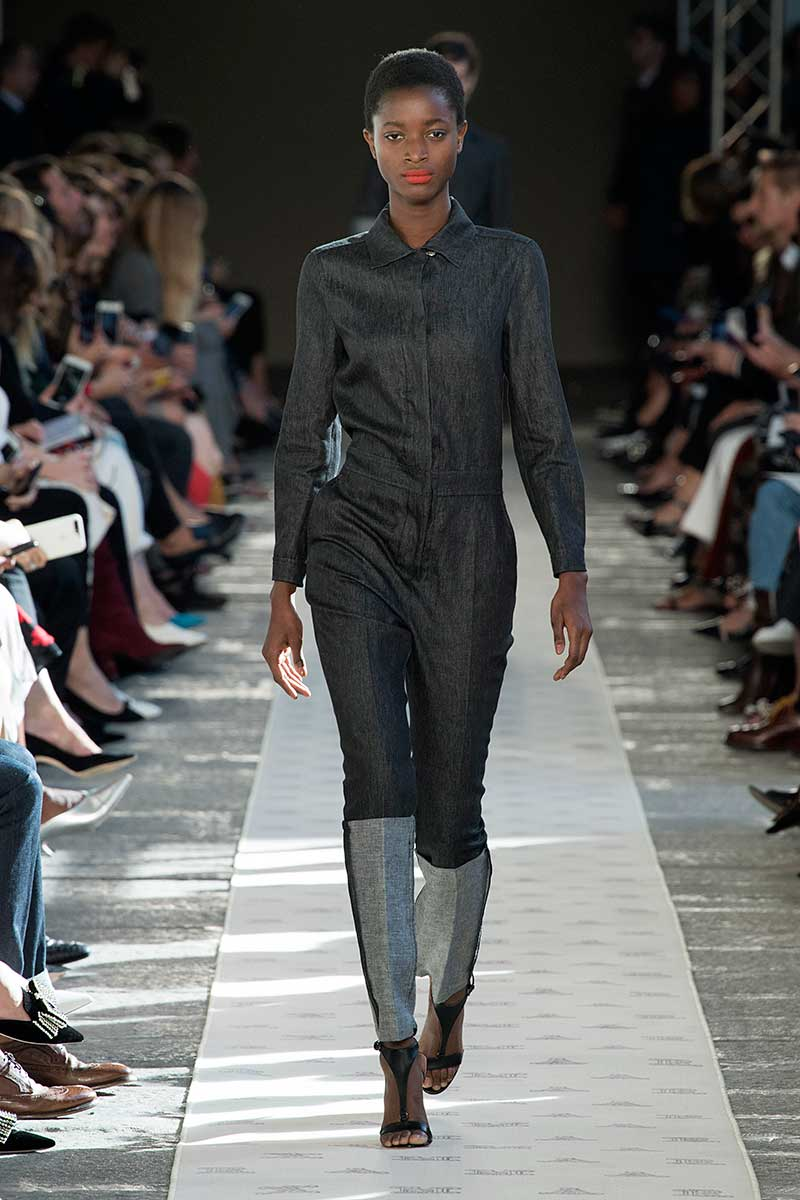 Tendenze moda estate 2018. Le tute intere sono ultra chic! Photo: courtesy of Max Mara