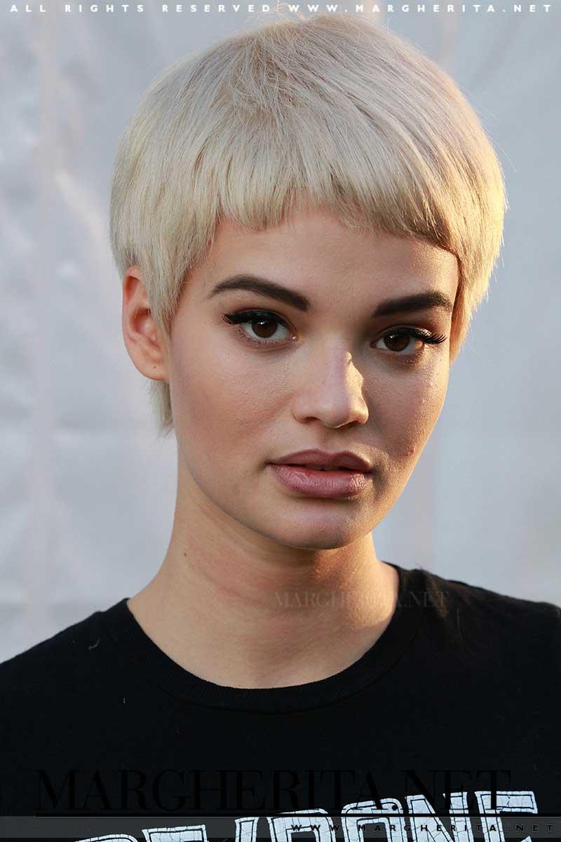 Tendenze capelli 2018. Tagli di capelli con la frangia