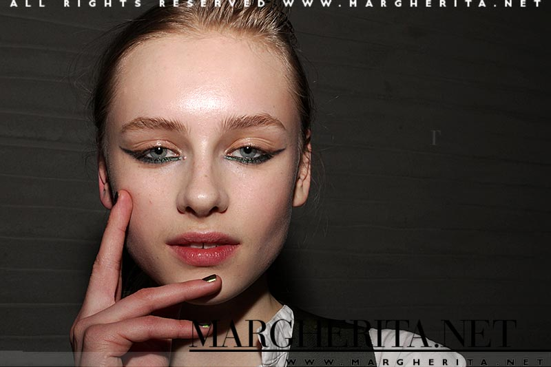 L'eyeliner e il makeup per gli occhi per l'autunno