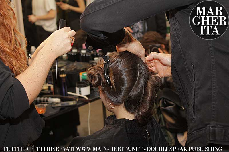 Acconciatura romantica. Sfilata: Antonio Marras. Hair: James Pecis. Ph. Charlotte Mesman