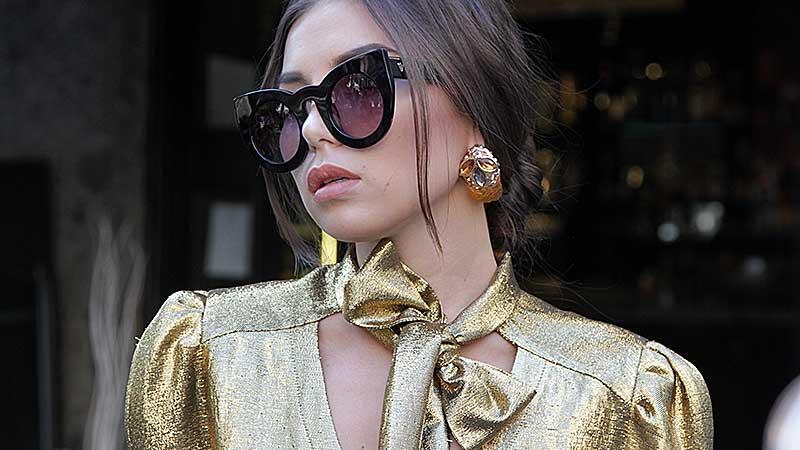 Street style moda donna autunno inverno 2018 2019. Metallics e glitter