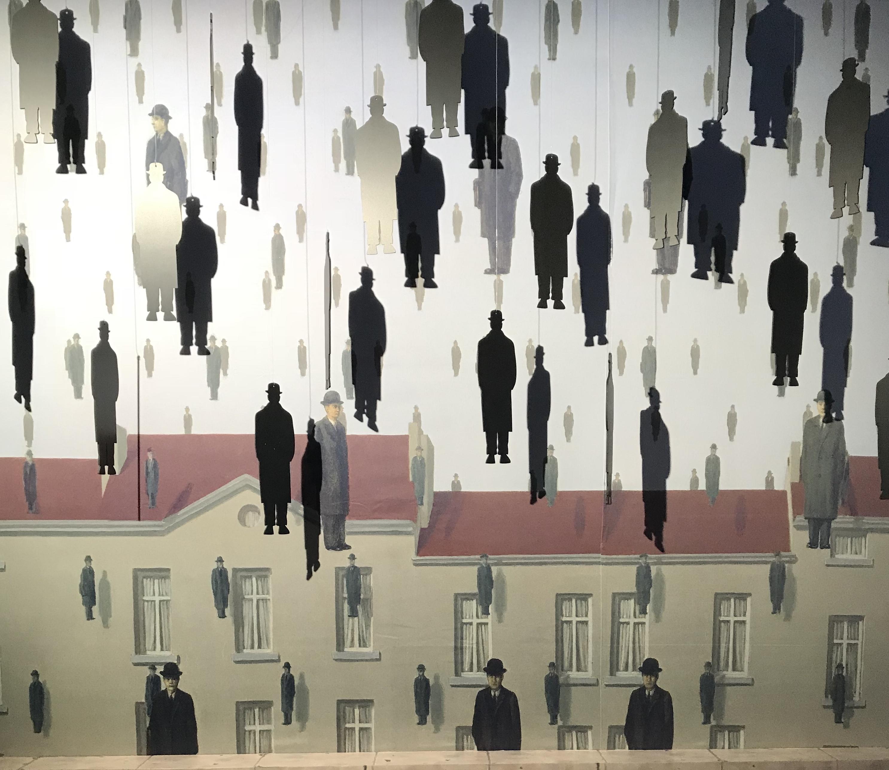 Magritte - Golconda - 1953 - Foto di Costanza Cristianini - Fabbrica del Vapore, esposizione 'Inside Magritte'