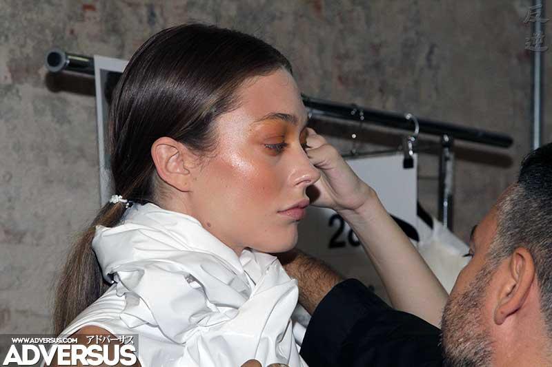 Angelica Sonvico, modella. Backstage sfilata Alberto Zambelli Estate 2019 - Foto Charlotte Mesman