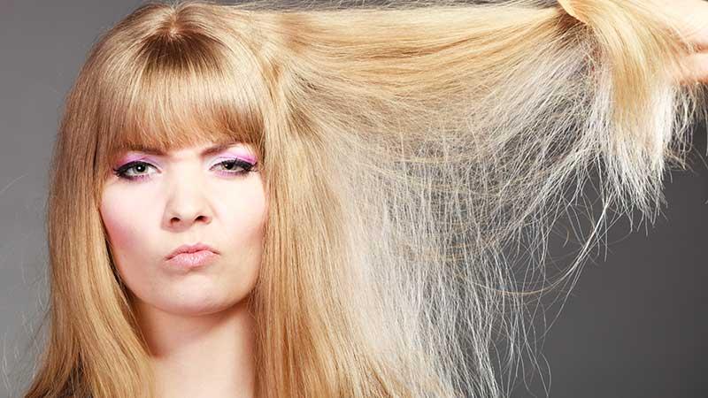 Capelli secchi? Ecco come ridare lucentezza e idratazione ai capelli secchi e sfibrati