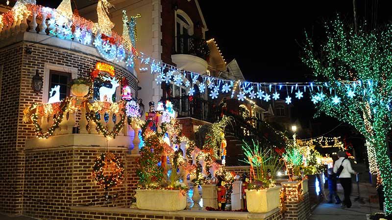 A Natale il posto magico di New Yorkda visitare è Dyker Heights, nel cuore di Brooklyn