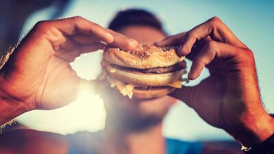 Il junk food (fast food su tutti) aumenta il rischio di depressione, secondo una ricerca
