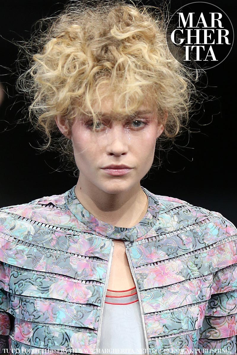 Tendenze capelli 2019. Hair styling e acconciatura.