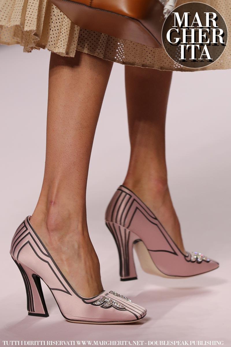 Nuove tendenze scarpe 2019 donna primavera estate. Moda