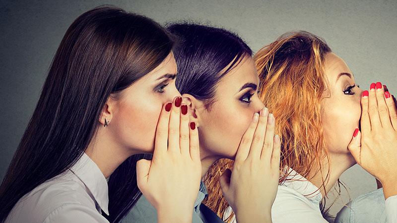 Hai scoperto che la tua migliore amica viene tradita Cosa fai? Come ti comporti?