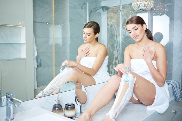 Via i peli superflui! Come depilarsi? Consigli per la depilazione