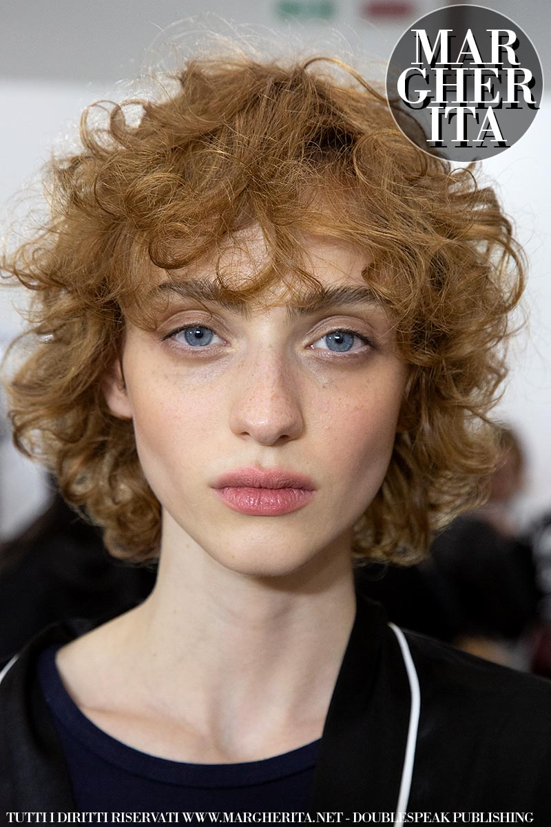 Taglio capelli donna medi