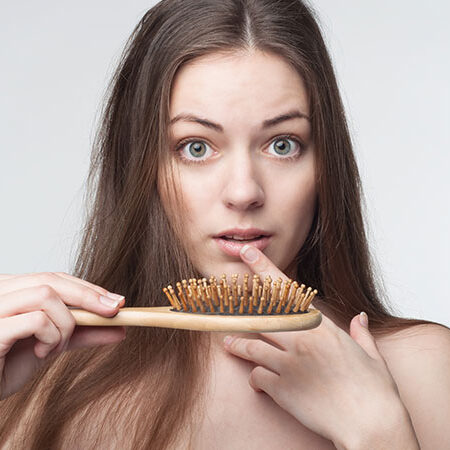 La caduta dei capelli nelle donne