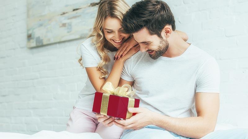 Idee regalo per Natale, i regali per lui.Ecco come farlo felice con un bellissimo regalo di Natale