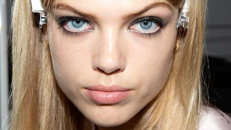 Nuove tendenze make-up primavera 2020. Dai nuova vita al tuo trucco, prova gli smokey eyes!