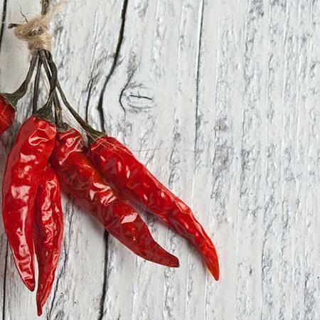 Dieta mediterranea: mangiare peperoncino fa bene al cuore. Il ruolo del peperoncino nella prevenzione di infarto e ictus