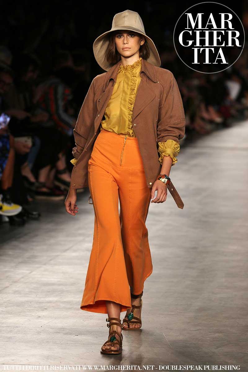 Tendenze moda pantaloni donna primavera estate 2020: Sfilata Alberta Ferretti