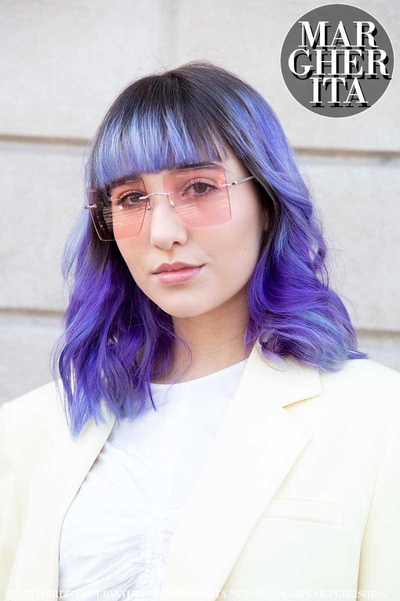 Tendenze colore capelli primavera estate 2020. Tonalità calde ma anche 'block colors' e pastelli