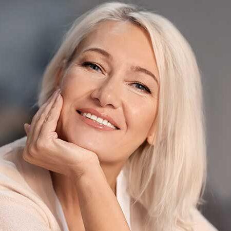 Cura anti-aging per i tuoi capelli. Come cambiano i nostri capelli – colore a parte – e come curarli per averli sempre belli, sani, giovani.