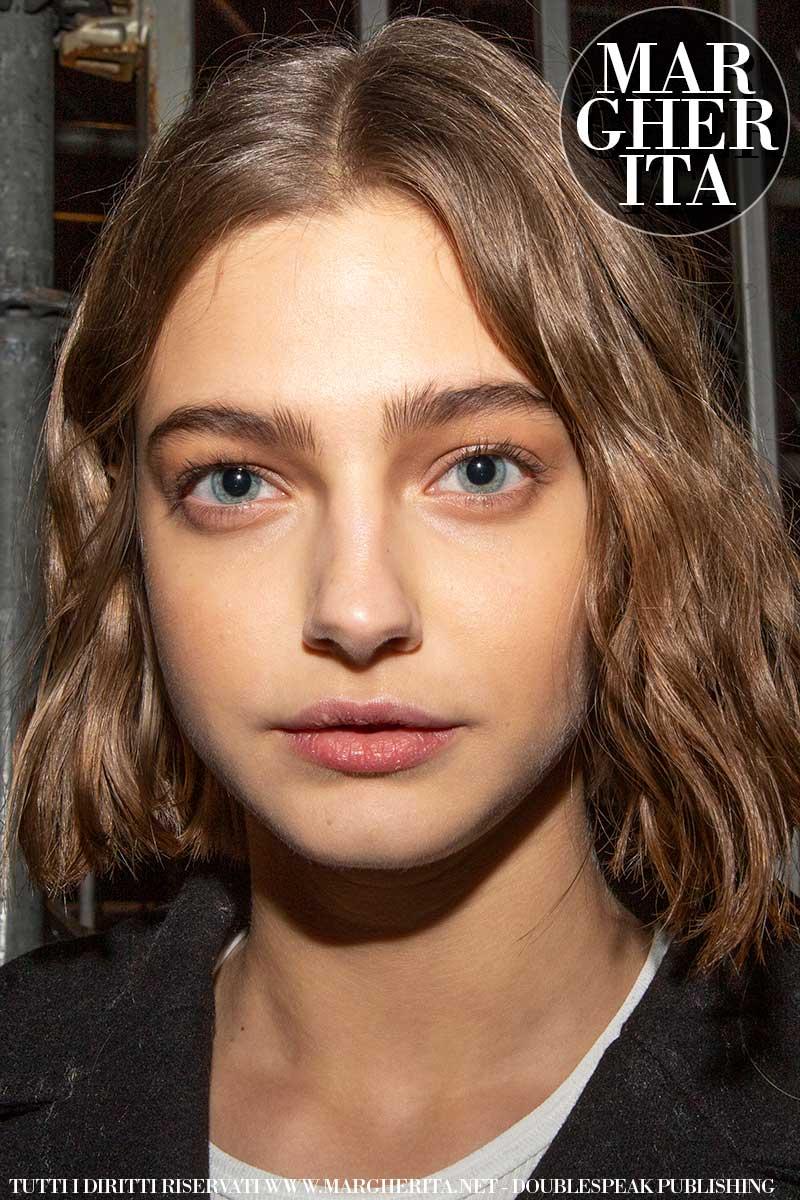 Styling capelli, le tendenze estate 2020. Siamo innamorate di questi tagli bob un po' mossi - Sfilata Dsquared2 Inverno 2020/2021