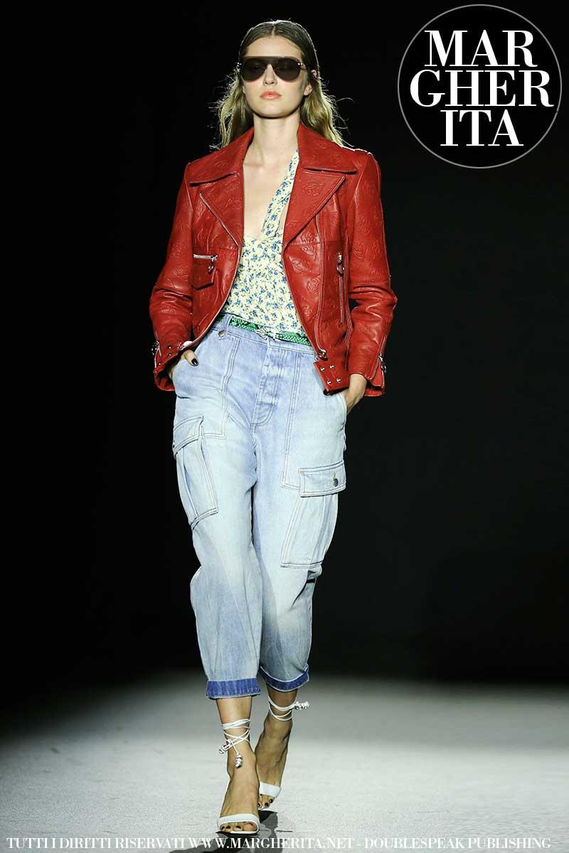 Moda estate 2020, le nuove tendenze jeans. Tre jeans azzeccati per un look all'ultima moda - Sfilata Zadig & Voltaire. Foto Mauro Pilotto