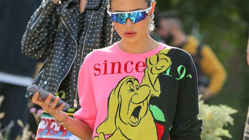 Moda donna street style 2020. Il casualwear diventa cool, ecco come essere sportive e trendy - Front row Iceberg - Foto Mauro Pilotto