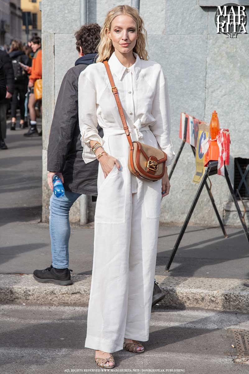 Nuovi trend moda estate 2020. Il total white look. 3 looks per tre idee moda per la tua estate - Foto Charlotte Mesman