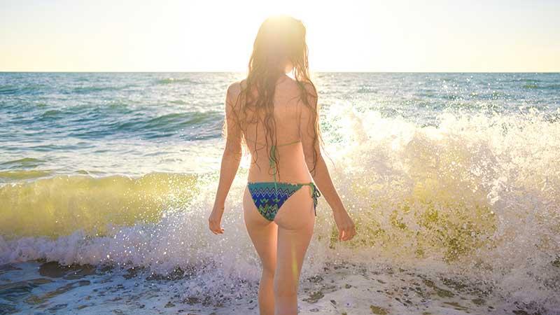 In piscina per dimagrire e tonificare (o al mare...)