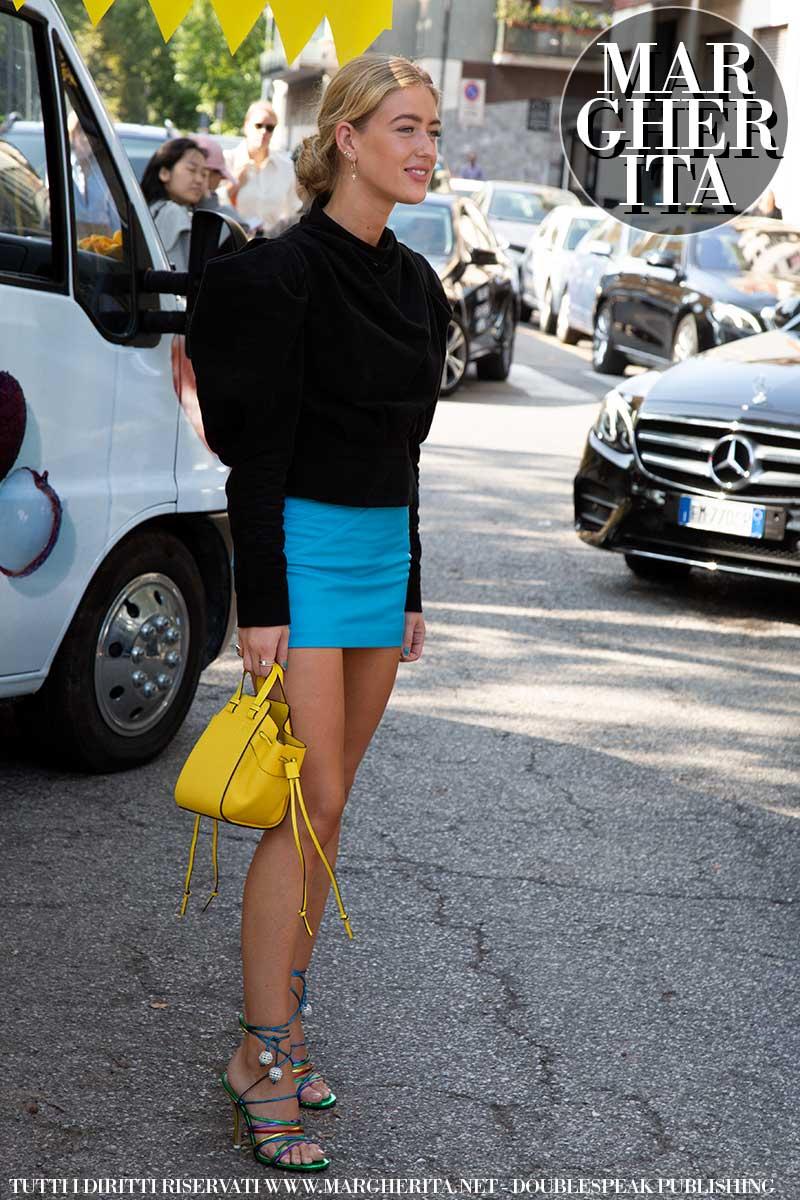 Tendenze moda estate 2020. Minigonne e shorts. Foto: Charlotte Mesman
