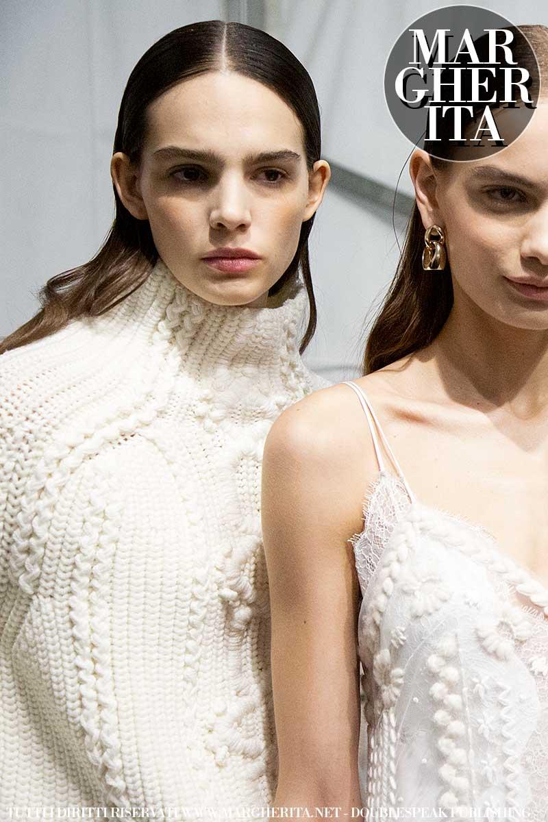 La nuova moda autunno inverno 2020 2021. Un maglione trendy? Ecco i nuovi modelli per l'inverno - Sfilata Ermanno Scervino Foto Charlotte Mesman
