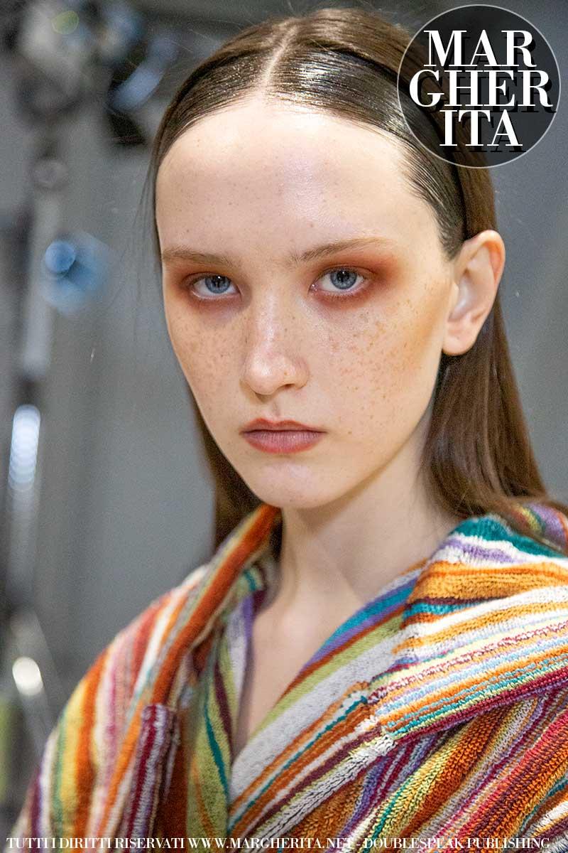 Le nuove tendenze capelli donna autunno inverno 2020 2021, tornano i capelli lisci! - Sfilata Missoni Hair Anthony Turner Foto Charlotte Mesman