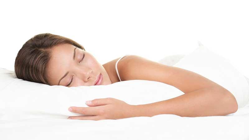 Un cuscino nuovo contro le rughe? Combattere le rughe del viso con un cuscino nuovo