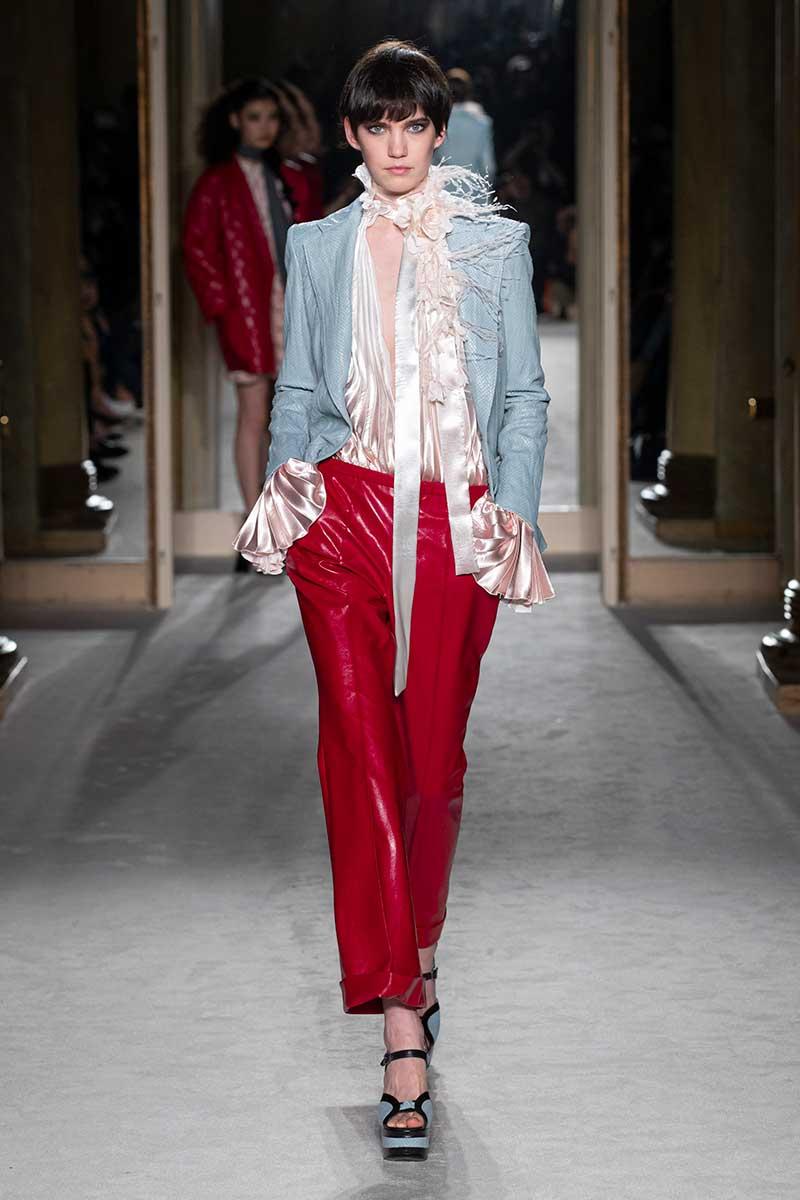 Moda. Come portare il rosso. Dieci consigli di stile, moda e tendenze inverno 2020 2021. Foto: Philosophy