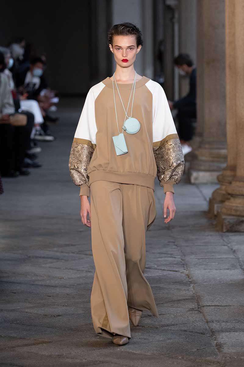 Tendenze moda 2021. Ecco le tendenze moda che continueremo a vedere nel 2021 - Foto Max Mara