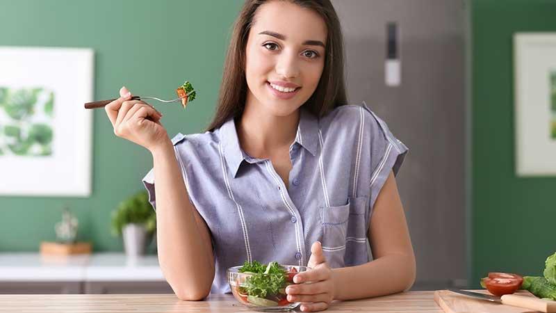 Diete dimagranti: i rischi delle diete fai da te e l'importanza di rivolgersi ad uno specialista