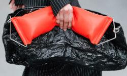Accessori moda donna 2021. le borse per la primavera estate 2021 sono in formato mega