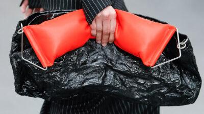 Accessori moda donna 2021. le borze per la primavera estate 2021 sono in formato mega - Foto Sportmax